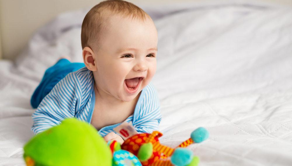 bébé-rigole